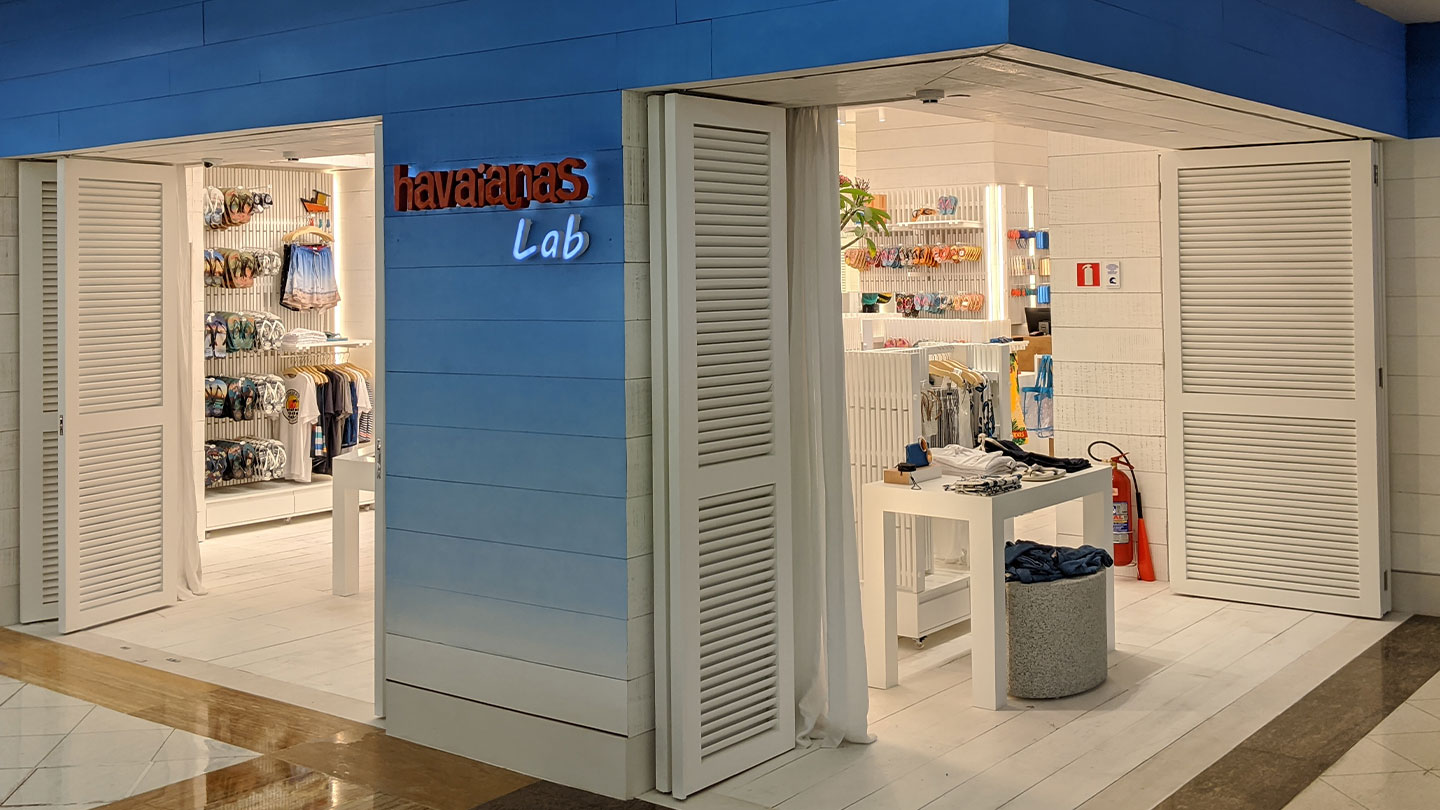 Photo of havaianas lab store